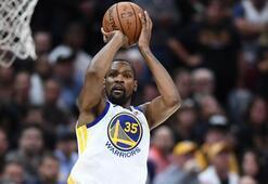 Kevin Durant seriyi 3-0a getirdi