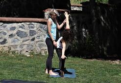 Çocuklar Duymasının Tutkusu yoga dersi verdi
