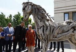 Emine Erdoğan, Atıktan Sanata adlı serginin açılışını yaptı