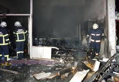 Yangın sonrası mobilya mağazası bu hale geldi