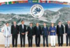 'Sarsıntılı' G8 zirvesinde 'kriz daha bitmedi' mesajı