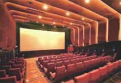 Sinema salonları bir bir kapanıyor