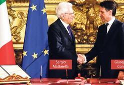 İtalya'da da kriz çözüldü