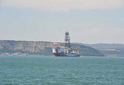 Türkiyenin ilk yerli sondaj gemisi Fatih Çanakkale Boğazından geçti