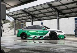 Yeni Audi RS3e 4 motor takıldı