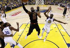 NBA Finallerinde ilk adımı Golden State Warriors attı