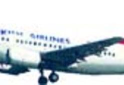 THY uçağının New York'ta iki lastiği patladı