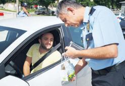 Sürücülere süt ürünleri dağıtıldı