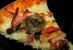 İki pizzaya 10 bin Bitcoin ödedi