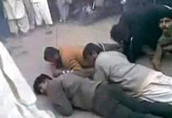 Eşcinsellere kırbaçlı işkence