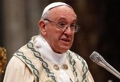 Papadan piskoposlara Firavun gibi yaşamayın uyarısı