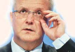 Rehn: Basın özgürlüğü  cezayla tehlikeye düşüyor