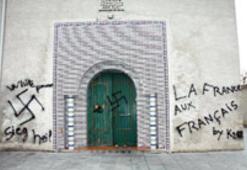 Fransa'da  camiye provokatif saldırı