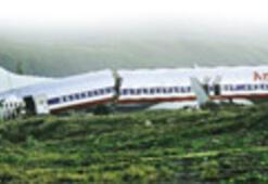 Uçak pistten çıktı: 91 yaralı