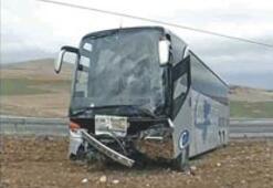 Şizofren yolcu şoföre saldırdı, 11 yaralı var