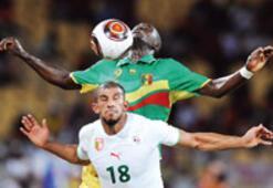 Cezayir umut tazeledi: 1-0