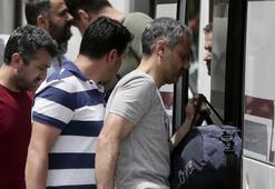 İzmir merkezli 15 ilde FETÖ operasyonu Dosyalar böyle taşındı