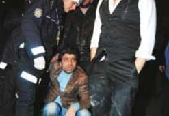 Aracı türkücü Yusuf Harputlu kullanıyordu