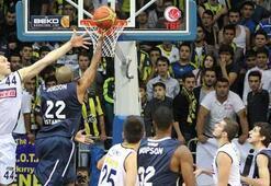 Anadolu Efes Türk takımlarıyla 11. randevuda