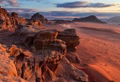 Mars yüzeyini andıran görüntüsüyle Ram Vadisi