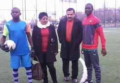 Yeni Muslera, Kouang 2 yıllığına Galatasarayda