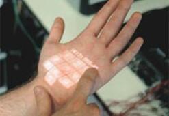 İnsan vücudunda dokunmatik ekran