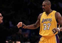 Jack Nicholson, Lakers kombinesini satışa çıkarttı