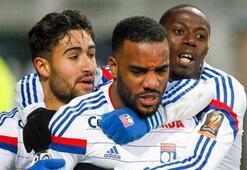 Lyon ve PSG zirve için yarışıyor