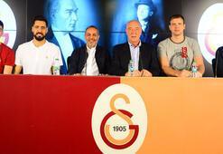 Galatasaraylı voleybolcular için imza töreni