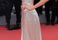 Gümüş güzellik: Stella Maxwell