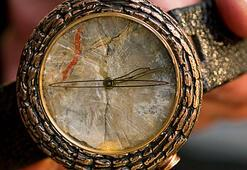 Dinozor dışkılı saat