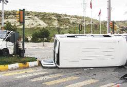 Demirci'de kaza: 18 yaralı