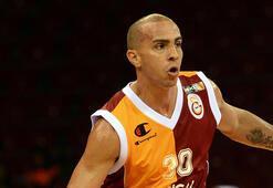 Galatasarayda Carlos Arroyo geri dönecek mi