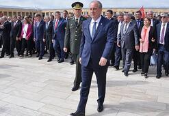 CHPnin cumhurbaşkanı adayı İnce Anıtkabiri ziyaret etti
