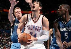 Westbrook yine triple-double yaptı