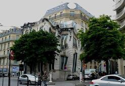 Eriyen bina