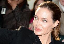 Angelina Jolie yine ameliyat oldu