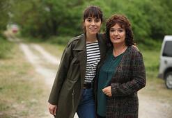 Müjde Ar ve Cansu Dereden anne-kız pozu