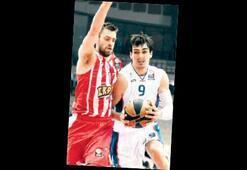 Olympiakos- Anadolu Efes: 86-75