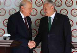 Son dakika...  Yıldırım ve Bahçeli birlikte başvurdu Cumhur İttifakı protokolü YSKya teslim edildi