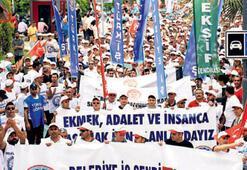 İzmir'de 1 Mayısa kadınlar damga vurdu