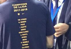 Şampiyonluk tişörtünde Arda Turan yer almadı