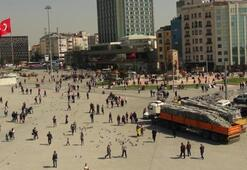 Taksim'e polis barikatları getirildi
