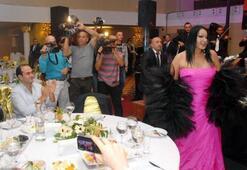 Diva AK Partili başkanı şoke etti