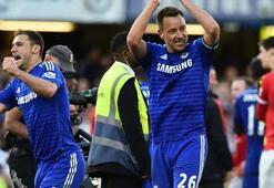 Chelsea farkı açmaya devam ediyor