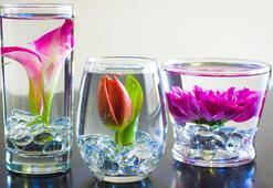 Masa süsleme: Su içinde çiçekler
