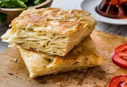 Misafirlerinizi büyüleyeceğiniz peynirli börek tarifleri