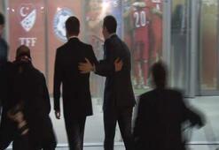 Başbakan Davutoğlu, Çipras'ı stat önünde karşıladı