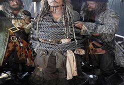 Jack Sparrow yeniden huzurlarınızda