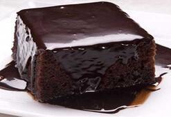 Lezzetine doyamayacağınız kakaolu ıslak kek tarifi